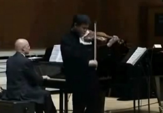 中國小提琴家李傳韻自小就擁有超於常人的技巧
