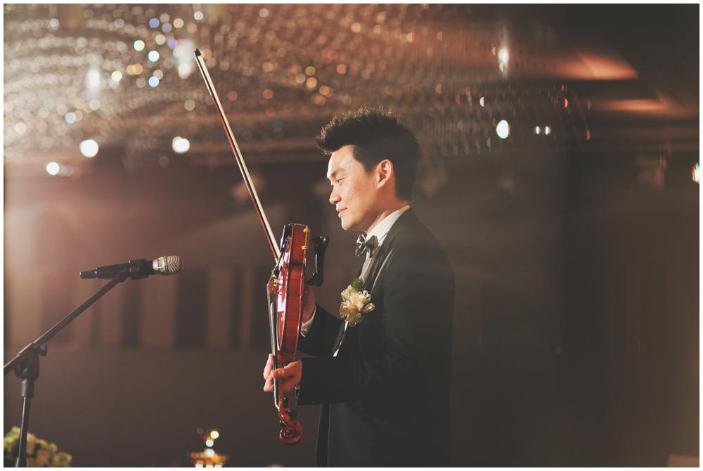 在自己婚禮演奏給自己的妻子