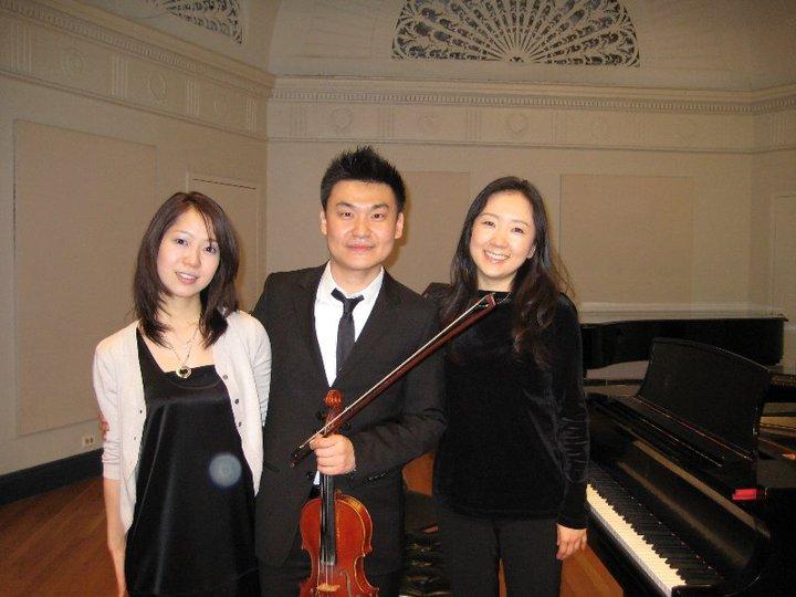紐約演出後與兩位日本鋼琴朋友留影