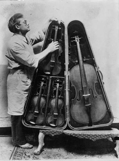 原來以前的樂器是這樣帶出門的?