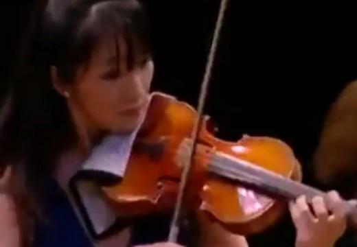 兩位美女演奏家的巴哈雙小提琴協奏曲