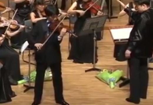 眼盲心不盲的小提琴家川畠成道