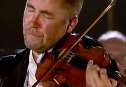 老柴小提琴协奏曲当前奏的查尔达斯