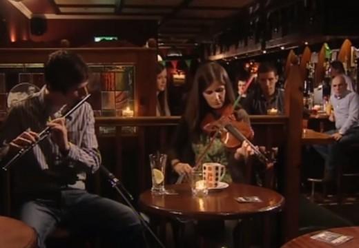 酒吧裡的英格蘭傳統音樂