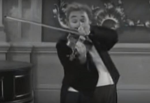 左右手交換也能拉琴!!卓別林的小提琴藝術