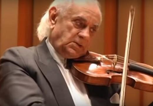 看到滿頭白髮大師演奏帕格尼尼有何感想?