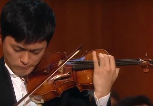 曾宇謙於柴可夫斯基得獎者音樂會演奏莫札特協奏曲