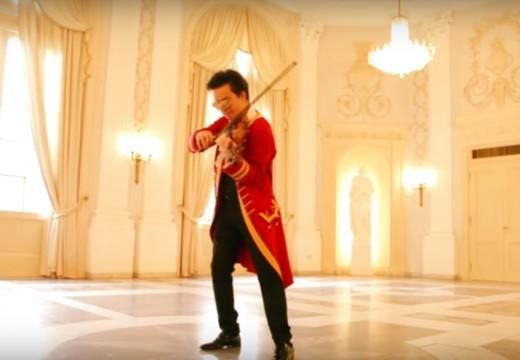 一把小提琴取代了整個樂團的「莫札特小夜曲」