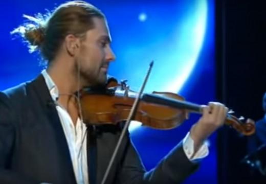 超華麗排場!! 帥哥小提琴家大衛蓋瑞「天鵝湖」